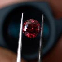 Giá kỷ lục mới cho kim cương đỏ